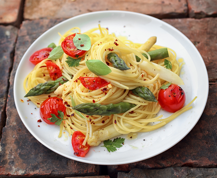 Pasta with roasted asparagus, cherry tomatoes... | MummyPages ...