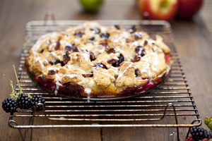 Blackberry apple cake