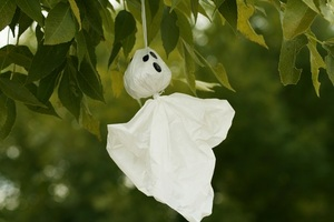 How To: Ghost decorations