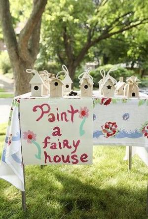 Invitations, entertainment and party favours: the hidden party extras