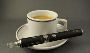 Experts issue e-cigarette warning to mums-to-be
