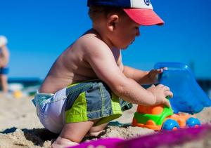 7 things to remember when hitting the beach with your kids