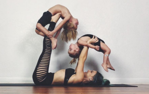 This mums yoga routines with her kids are inspiring busy women everywhere