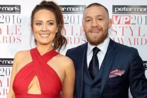 Bump watch: Dee Devlin impresses fans with latest maternity style snap