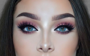 Pink eyeshadow is this seasons best beauty look, and youll LOVE it