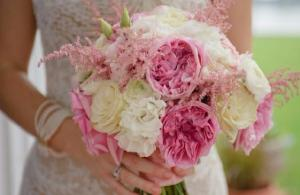 Wedding inspiration! Check out these 10 gorgeous bridal bouquets