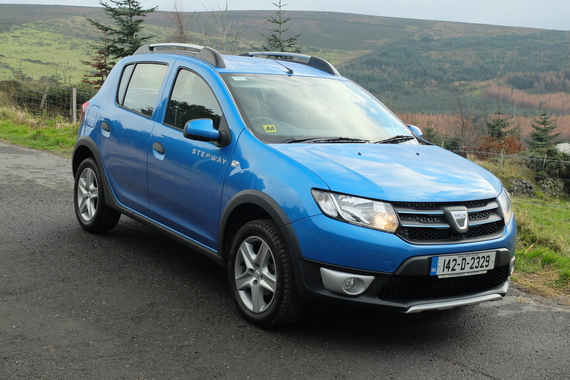 family car review dacia sandero stepway. Black Bedroom Furniture Sets. Home Design Ideas